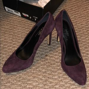 Lord and Taylor Brand Purple Heel